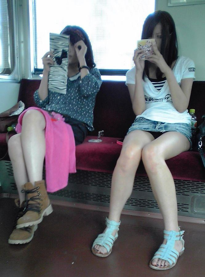 電車内パンチラ 画像 22