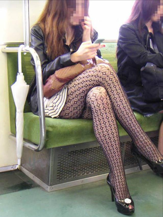 電車内パンチラ 画像 24