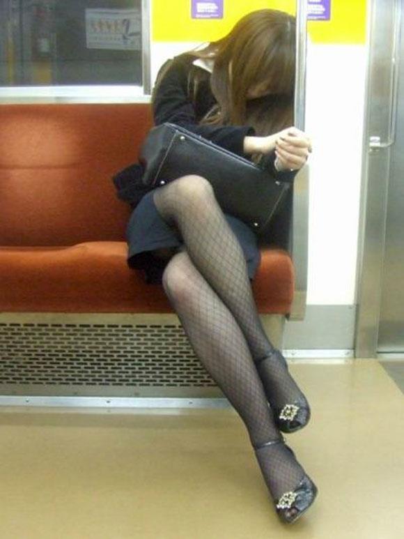 電車内パンチラ 画像 31