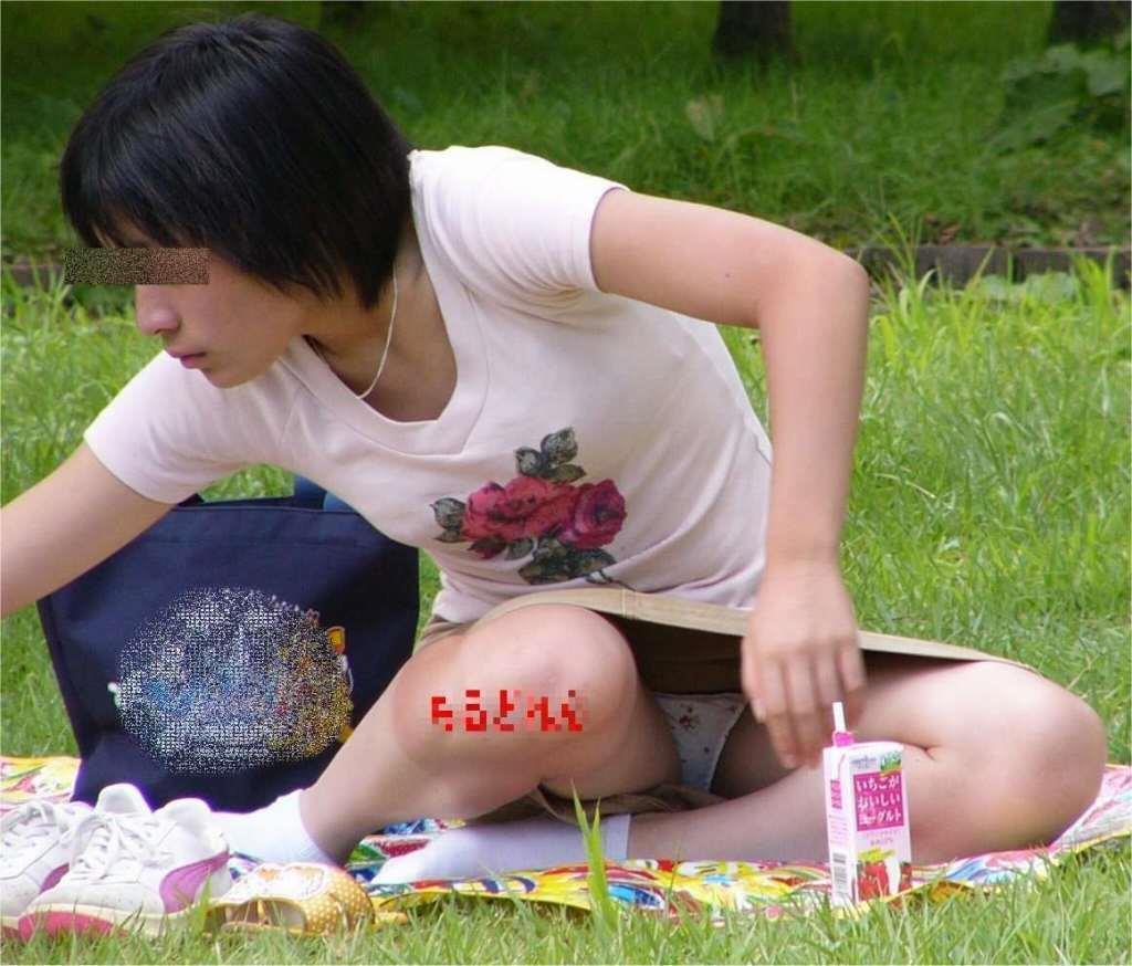子連れ若妻 パンチラ 画像 21