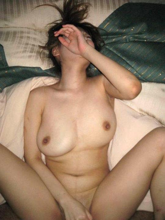 顔を隠す素人のエロ画像 34
