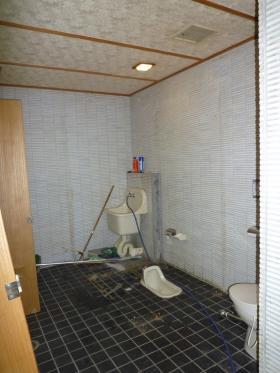 石川県トイレ施工中