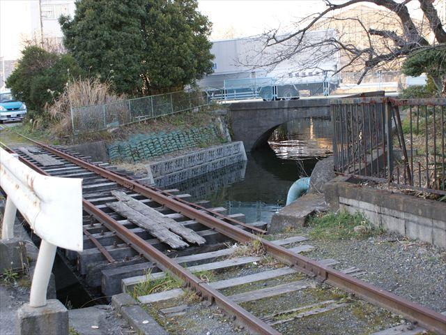 運河と連絡橋_R