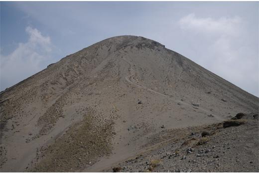 御鉢からの高千穂峰