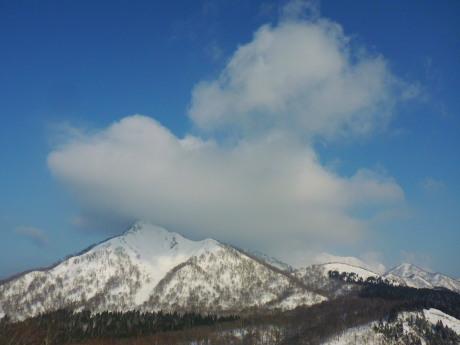 雲湧く烏ヶ山