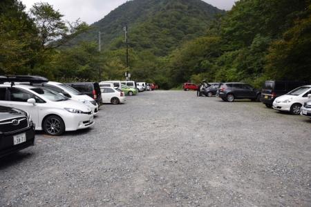 1白毛門駐車場