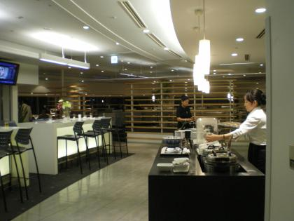 シンガポール2013.3デルタラウンジ軽食カウンター
