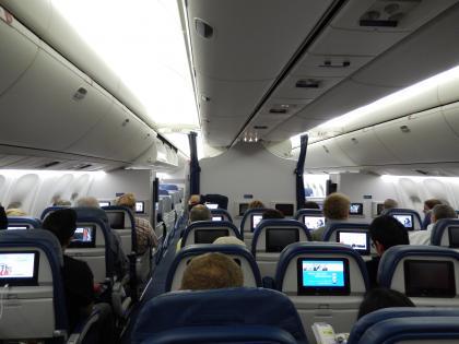バンコク2013.5DL283便機内