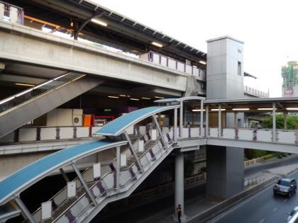バンコク2013.5スカイトレイン・チョンノンシー駅