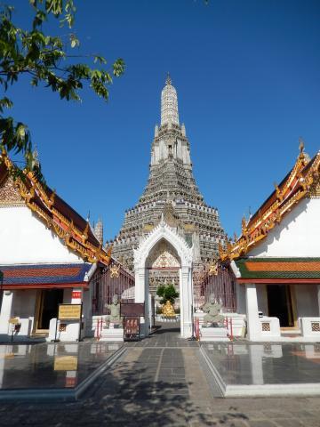 バンコク2013.5暁の寺大仏塔