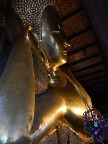 バンコク2013.5涅槃寺仏像顔部分