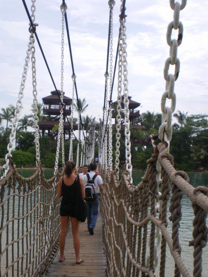 シンガポール2013.3セントーサ島最南端つり橋2