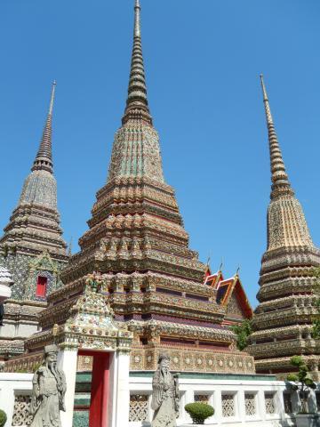 バンコク2013.5涅槃寺仏塔