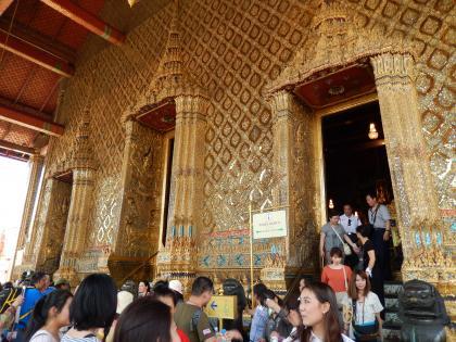 バンコク2013.5エメラルド寺院本堂出入口