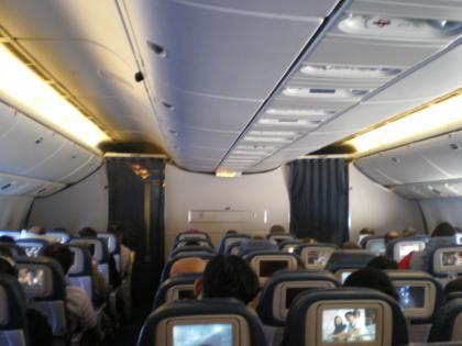 シンガポール2013.3デルタ航空622便成田行機内