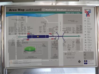 バンコク2013.5スカイトレイン駅構内案内