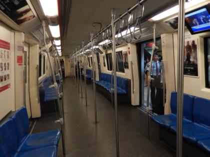 バンコク2013.5地下鉄車内