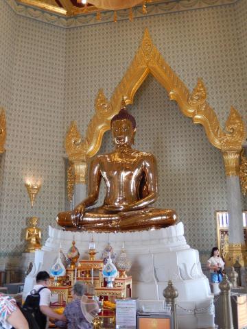 バンコク2013.5黄金仏寺院本尊