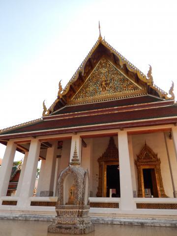 バンコク2013.5黄金の丘寺院本堂