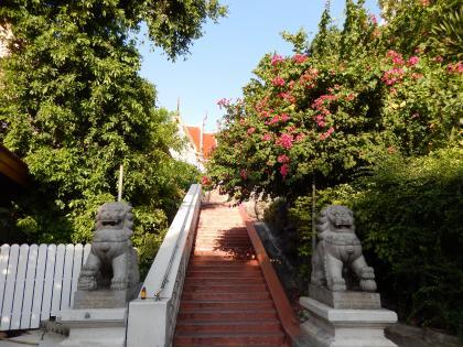 バンコク2013.5黄金の丘寺院下山口