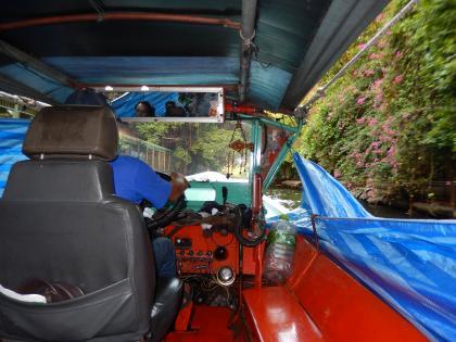 バンコク2013.5運河ボート船内