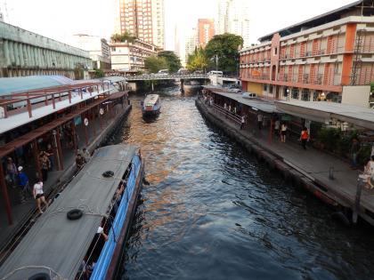 バンコク2013.5運河ボート下船場2