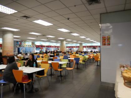 バンコク2013.5バンコク空港フードコート店内