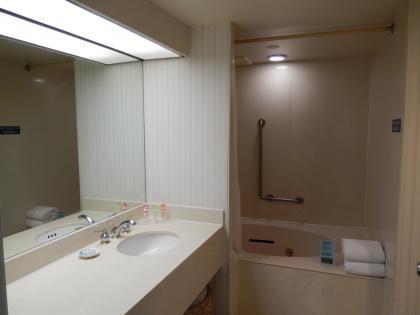 ハワイ2013.7ホテルジョイ浴室