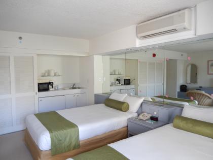 ハワイ2013.7ホテルジョイ室内1