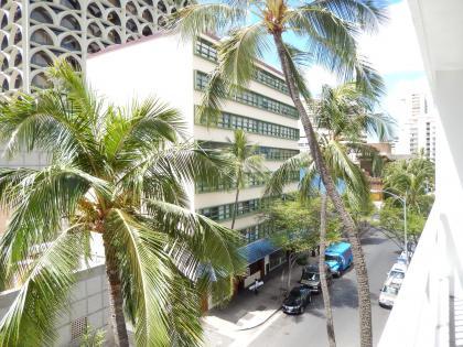 ハワイ2013.7ホテルジョイ室内からの眺め