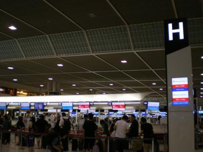 台湾2012.8中華航空チェックインカウンター
