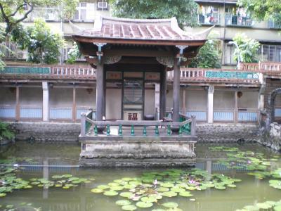 台湾2012.8林家庭園舞台正面