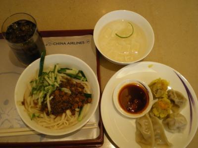 台湾2012.8中華航空ラウンジ飲食物