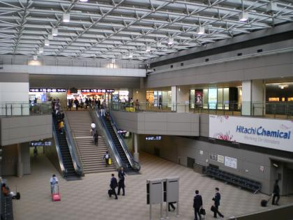 香港2012.12成田2タミシャトルのりば①