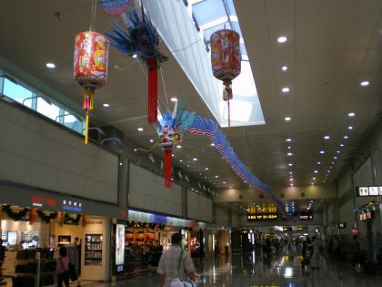 香港2012.12台北乗継第2ターミナル通路
