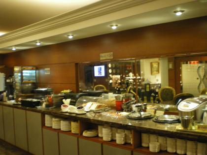 香港2012.12台北乗継モアラウンジ飲食カウンター
