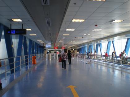 香港2012.12マカオフェリー搭乗橋