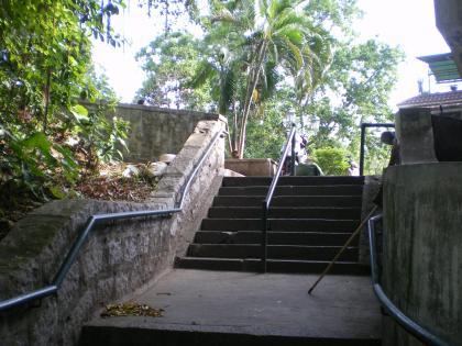 香港2012.12マカオモンテ砦への道