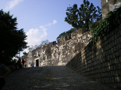 香港2012.12マカオモンテ砦入口