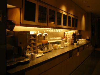 香港2012.12香港空港チャイナエアラインラウンジ飲食カウンター