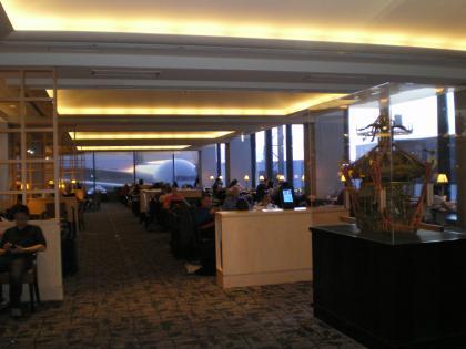 シンガポール2013.1成田ユナイテッド航空ラウンジ内部1