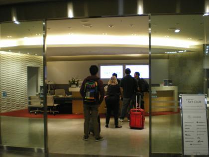 シンガポール2013.1成田デルタ航空ラウンジ入口