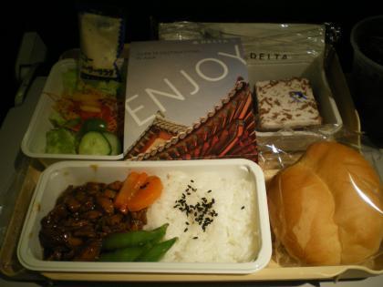 シンガポール2013.1デルタ機内食