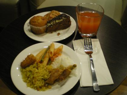 シンガポール2013.1第1Tレインフォレストラウンジ軽食