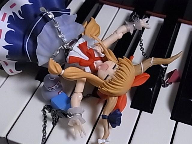 鍵盤上のマリサ 020