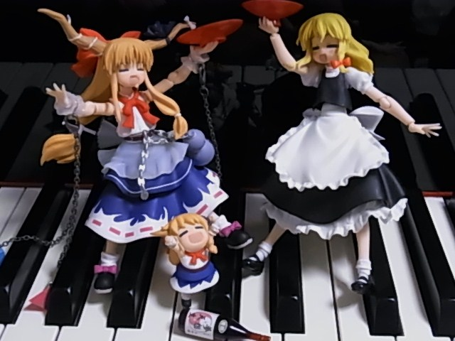 鍵盤上のマリサ 025