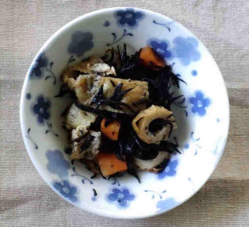 ひじきの煮物110204