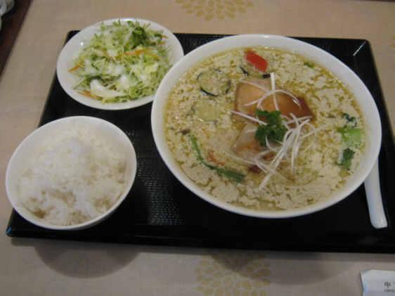 朱夏豚の角煮グリーンカレーメン110429a