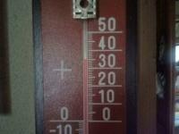 H220831暑い部屋の温度計