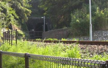 発電所出口のトンネル